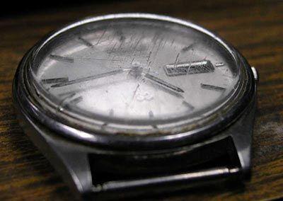 orologio-graffiato-rimedi.jpg